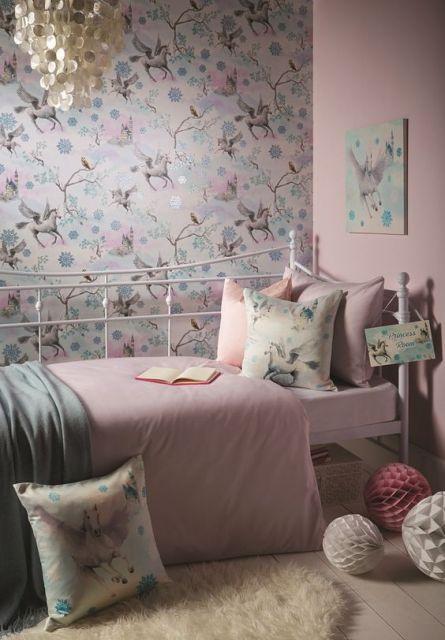 Tons de rosa claro para decorar quarto unicórnio