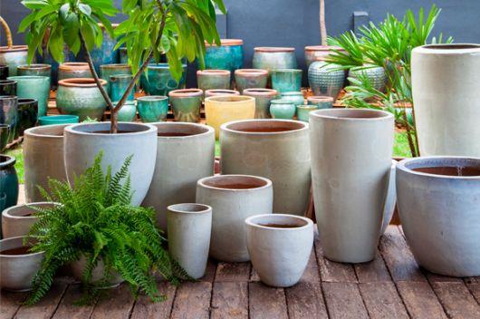 Os vasos vietnamitas são conhecidos por ter linhas curvas