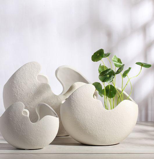 Conjunto de vasos moderninhos brancos