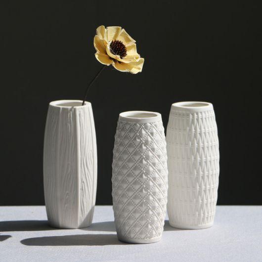 Vasos cilíndricos delicados para decoração contemporânea