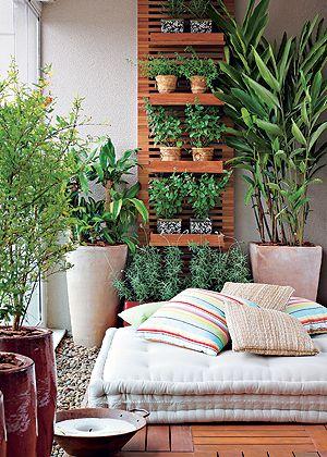 Leve a natureza para dentro de casa com o vaso branco vietnamita