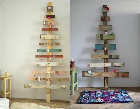 arvore de natal de madeiras rusticas coloridas.