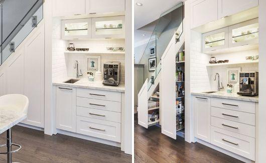 Decoração clean em um armário completo, assim você pode organizar sua sala perfeitamente