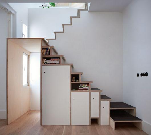 Vários compartimentos formando um armário clean e ideal para a organização