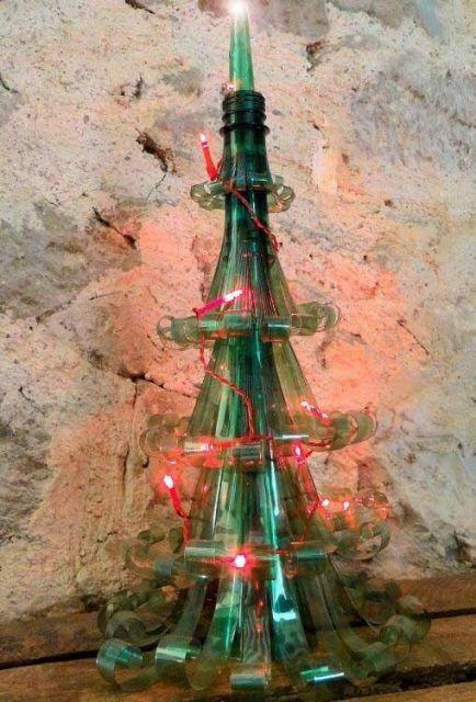 Árvore de Natal de garrafa pet pequena