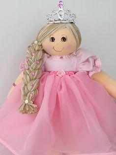 Boneca de feltro princesa loira