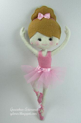 Boneca de feltro bailarina