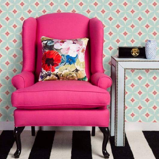 cadeira decorativa cor de rosa pink.