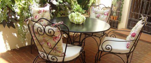 cadeira provençal de ferro para varanda