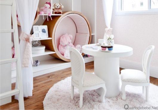 cadeira provençal com mesinha infantil