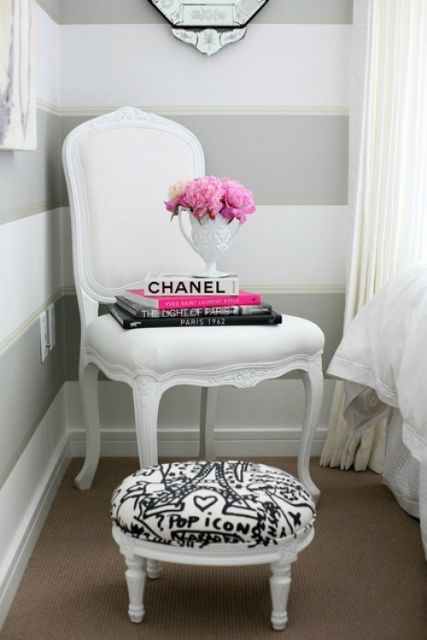 cadeira provençal branca para quarto