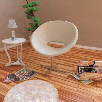 cadeira branca redonda, giratoria em sala de tons pasteis.