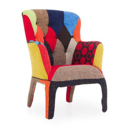 cadeira decorativa nas cores vermelho, laranja, amrelo, marrom, azul e preto.