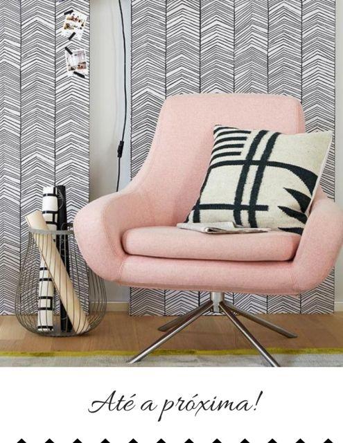 cadeira decorativa cor de rosa.