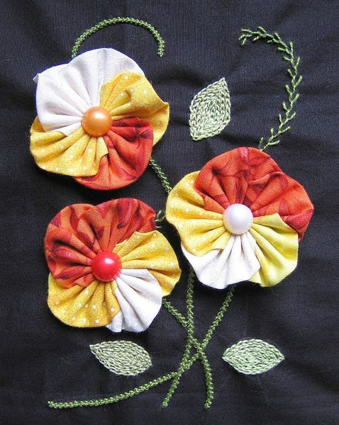 Como fazer fuxico: Flor amarela e vermelha