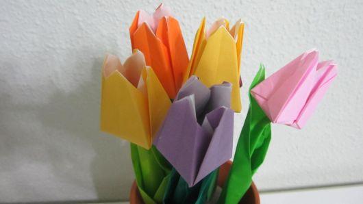 Dobradura de flor: Tulipa amarela