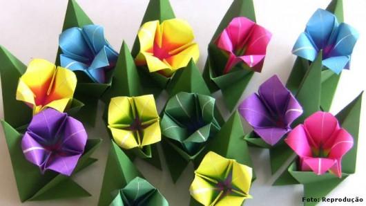Dobradura de flor: Simples amarela