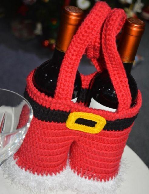 Até mesmo as garrafas de vinho podem entrar no clima natalino!