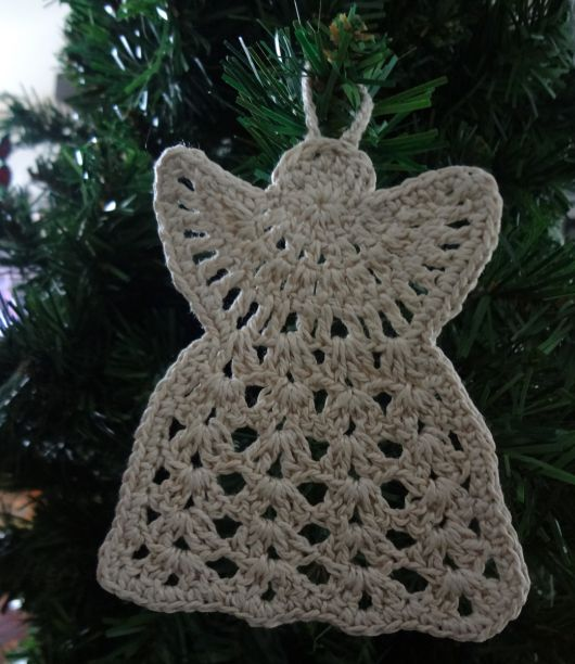 Anjinho de crochê para pendurar na árvore