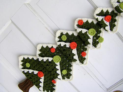 Árvore de Natal de crochê para por na porta
