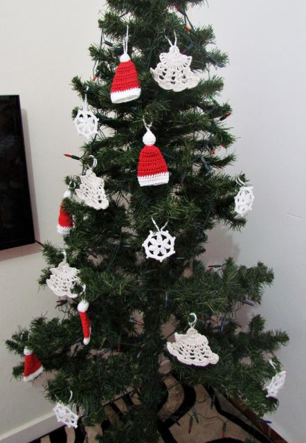 Árvore com enfeite de natal de crochê