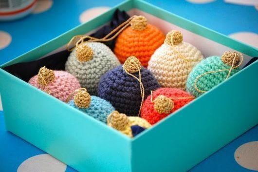Bolas de crochê lindas para pendura na árvore de natal