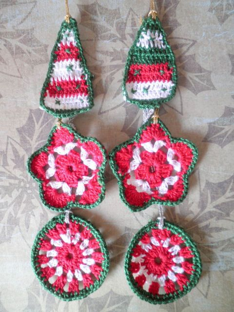 Enfeite vermelho, verde e branco para porta