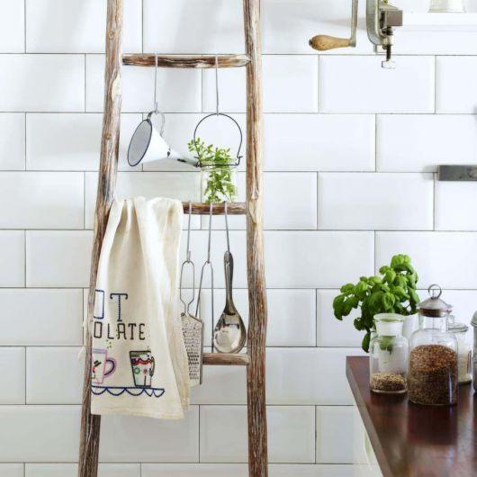 estante escada de madeira para cozinha clean.