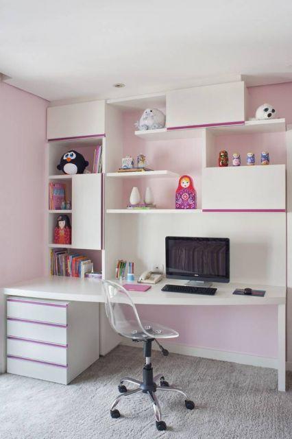 Crie um espaço para estudos no quarto de sua filha