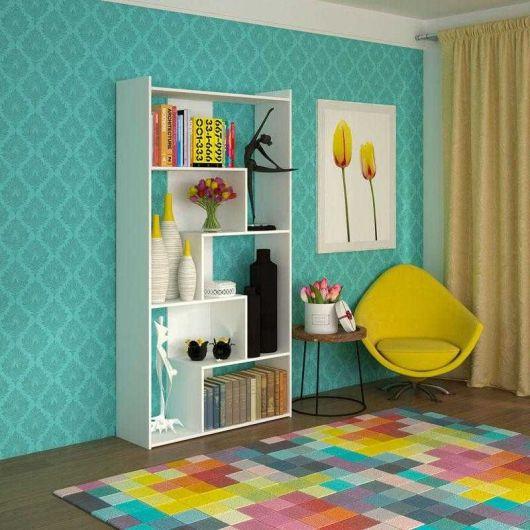 O modelo branco combina com vários conceitos decorativos e é ideal para deixar livros de todas as cores