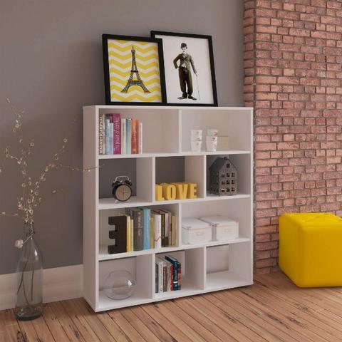 Pequena estante para dar um up na sua sala, bem como no quarto e outros ambientes