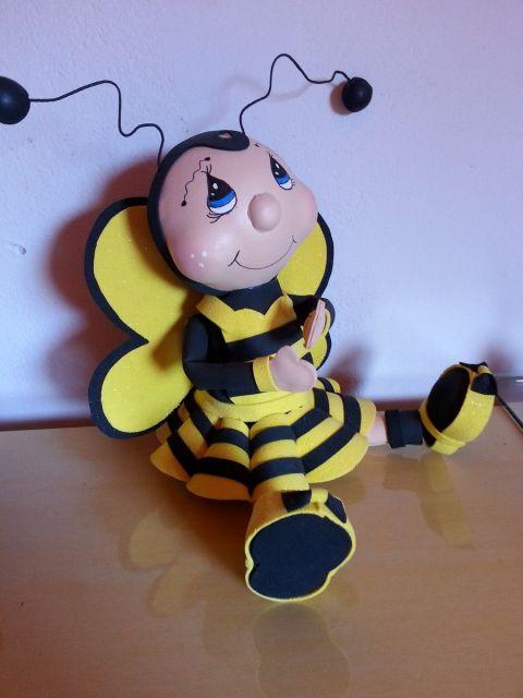 abelha sentada 3D