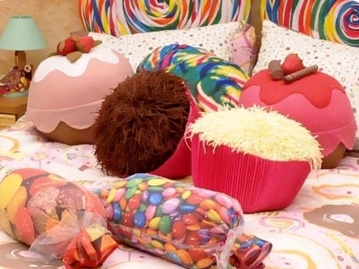 Almofadas de pelo divertidas usadas na casa do BBB 11