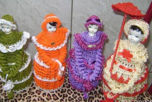 Boneca de garrafa pet com vestido de crochê laranja