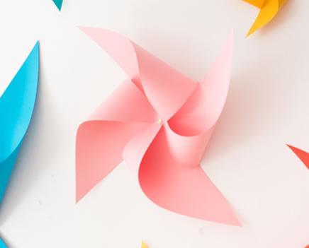 Catavento de papel rosa