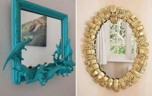espelhos com molduras nas cores verde e dourado.