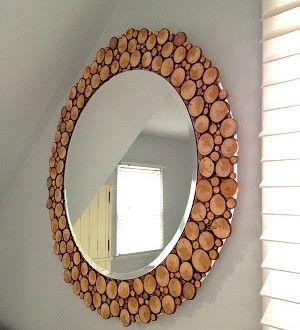 moldura de espelho redondo na cormarrom .