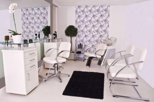 salão de beleza pequeno e simples