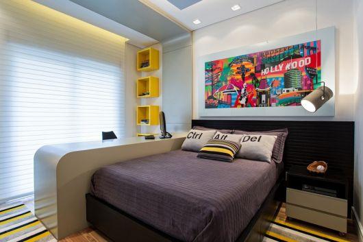Os quadros para quarto masculino grandes e coloridos são boas apostas