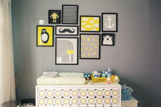 Boa combinação de preto, branco e amarelo para o quarto infantil