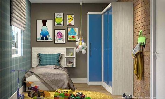 Os quartos infantis também podem ser decorados com quadros divertidos e coloridos