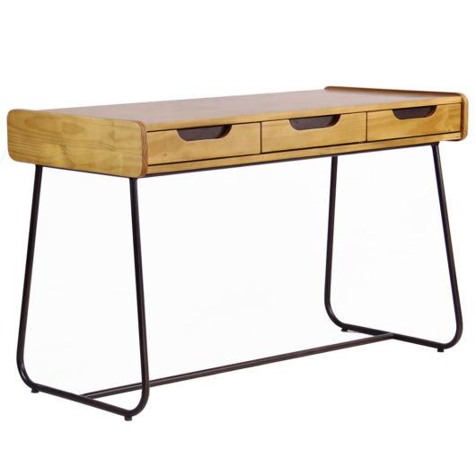 Atualmente você encontra modelos de escrivaninhas de madeira super modernos