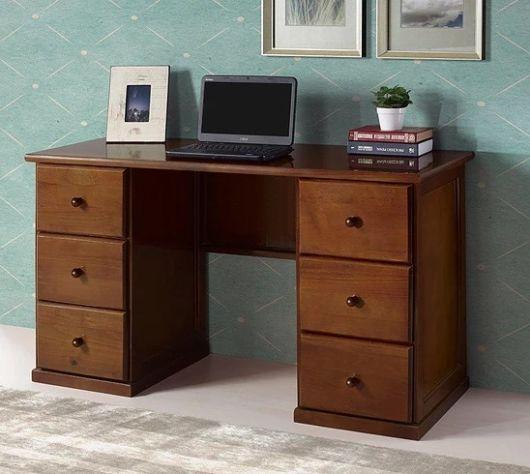 Que tal então apostar em uma escrivaninha com dois gaveteiros laterais?