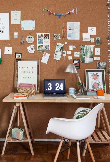 Que tal então uma escrivaninha no estilo cavalete de madiera