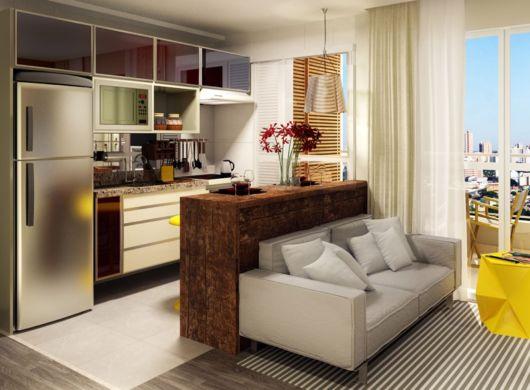 O balcão serve para separar sala e cozinha, por isso deve equilibrar os dois ambientes