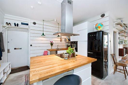 O balcão central é uma ideia interessante para cozinhas espaçosas