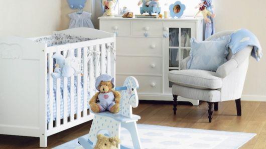 A versão acolchoada com assento confortável é ideal para amamentar o bebê