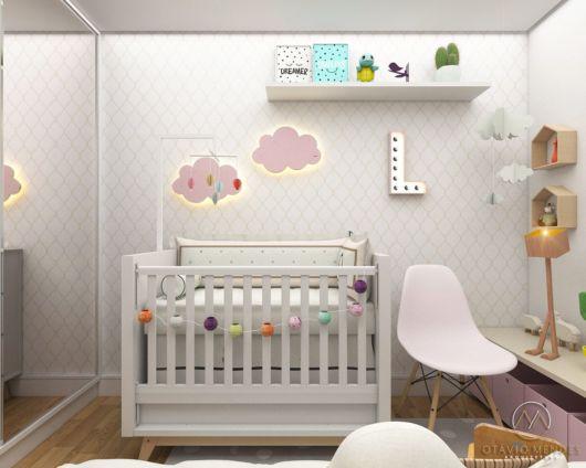 Cadeira para quarto de bebê branca