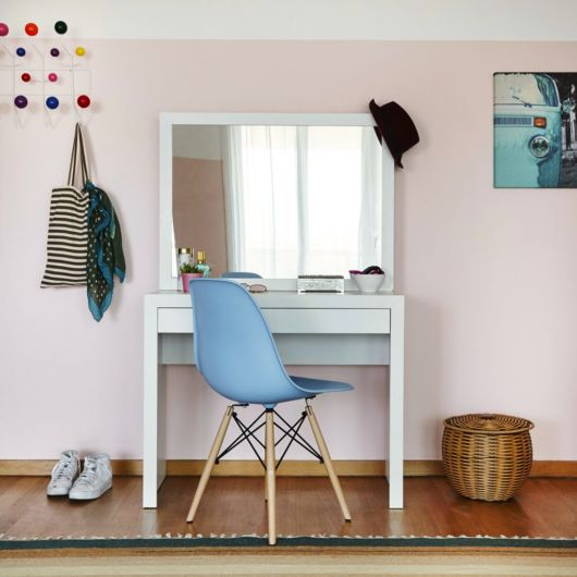 Lindo modelo azul, com total versatilidade para combinar com diversos móveis e padrões