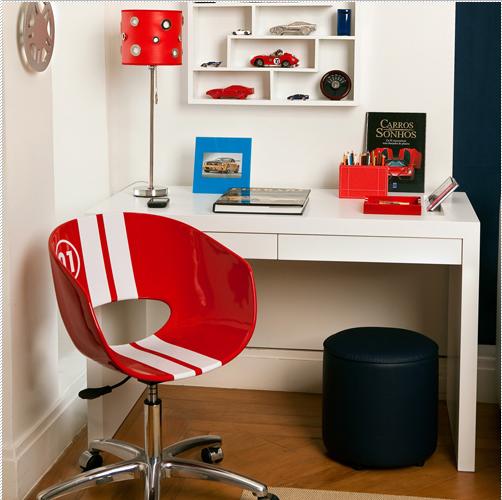 De fato, os móveis customizados se destacam em quartos masculinos de diversas idades